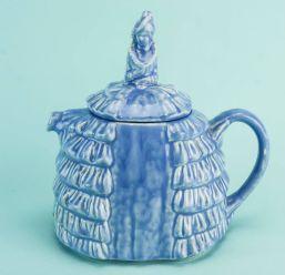lady teapot