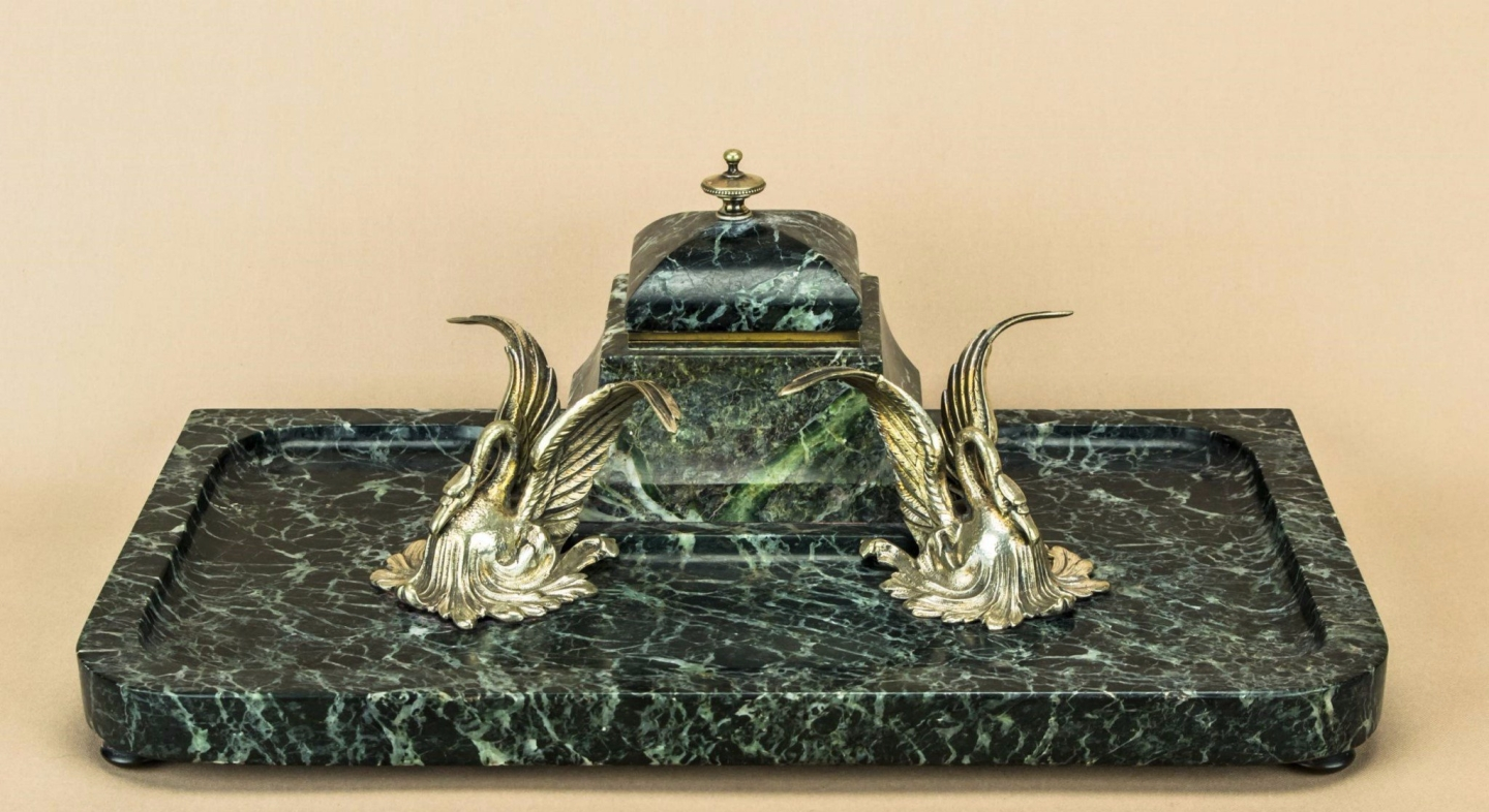 Swan marble inkwell